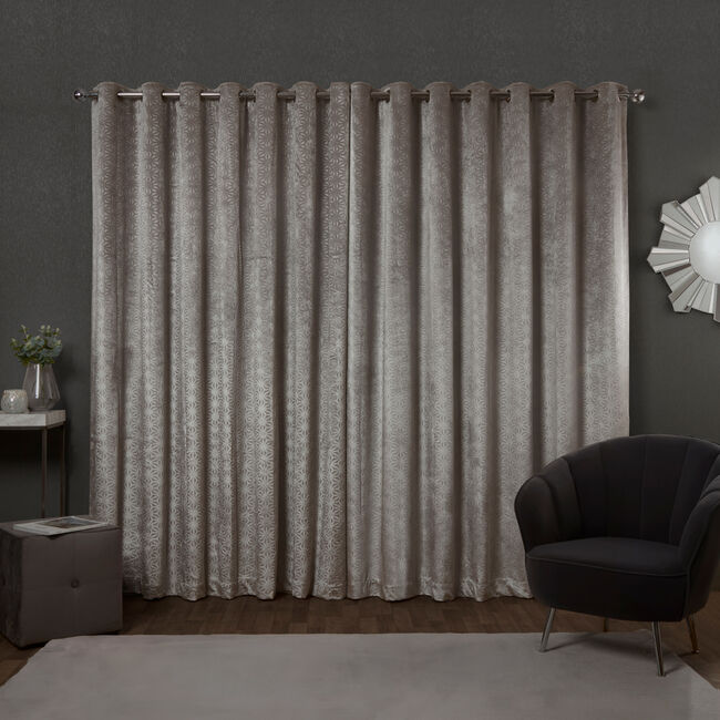 BLACKOUT & THERMAL EMBOSSED SILVER 66x54 Curtain