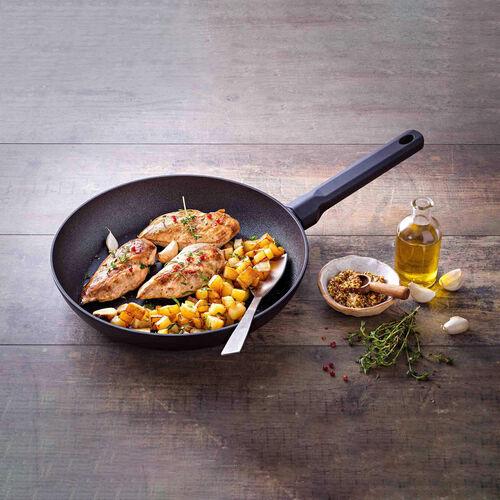 Pyrex Zero Scratch Bakelite Frying Pan 20cm