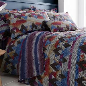 Topsy Turvy Berry/Navy Bedspread 200cm x 220cm