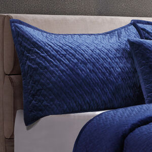 Quilted Hotel Velvet Navy Pillowshams 50x75cm