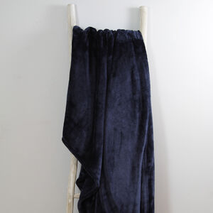 Ruane Plush Velvet Navy Throw 150 x 200cm