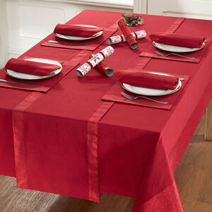 SHIMMER TRIM RED 160x183cm Table Cloth