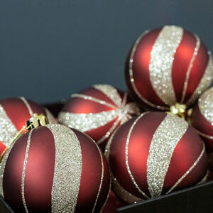 Red Luxury Baubles - 6 Pack
