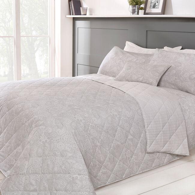 Matilda Bedspread 200 x 220cm