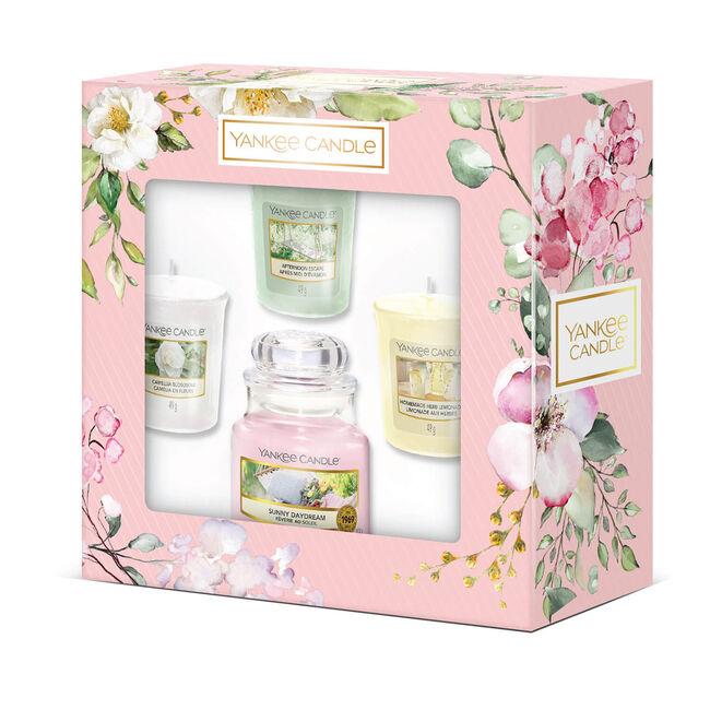 Yankee 3 Votives and 1 Small Jar Gift Set