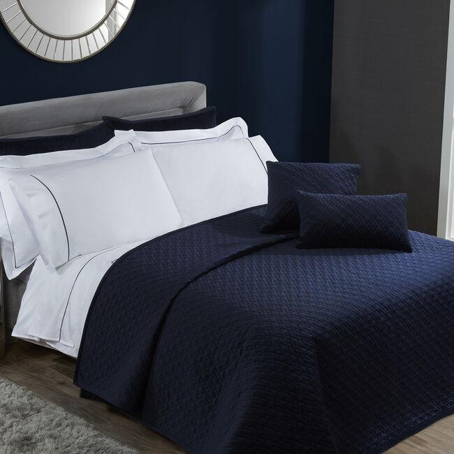 Quilted Hotel Velvet Navy Bedspread 220x230cm