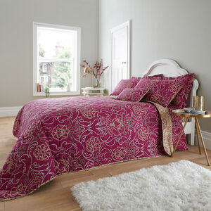 Antoinette Berry Bedspread 200x220cm