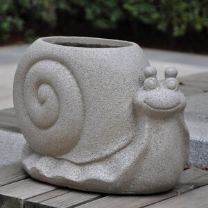 Snail Fibre Clay Plant Pot