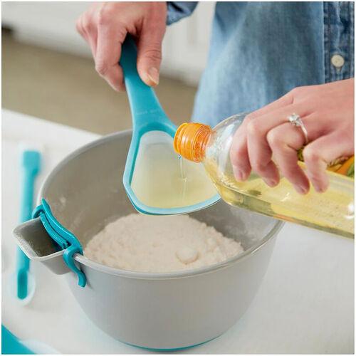 Wilton Mix and Pour Spoon