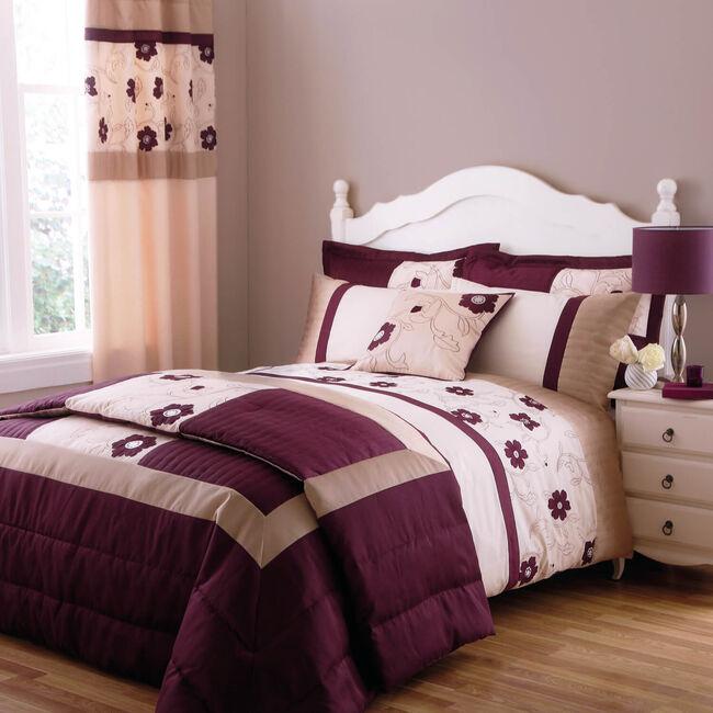 Alicia Blackcurrant Bedspread