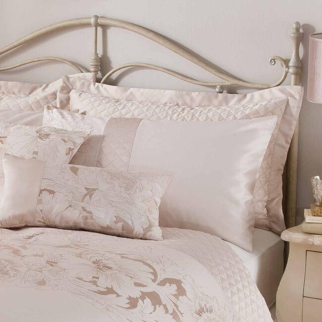 Classical Floral Cream Pillowsham
