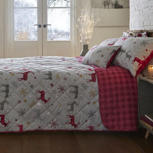 Herringbone Stag Berry Bedspread