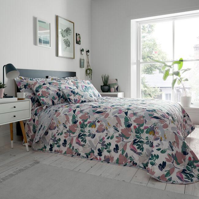 Danville Bedspread 200 x 220cm
