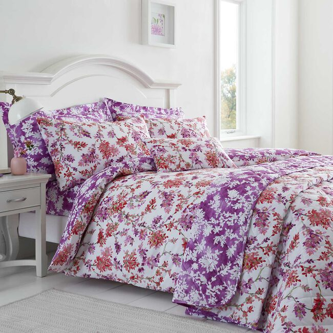 Kamilia Berry Duvet Set