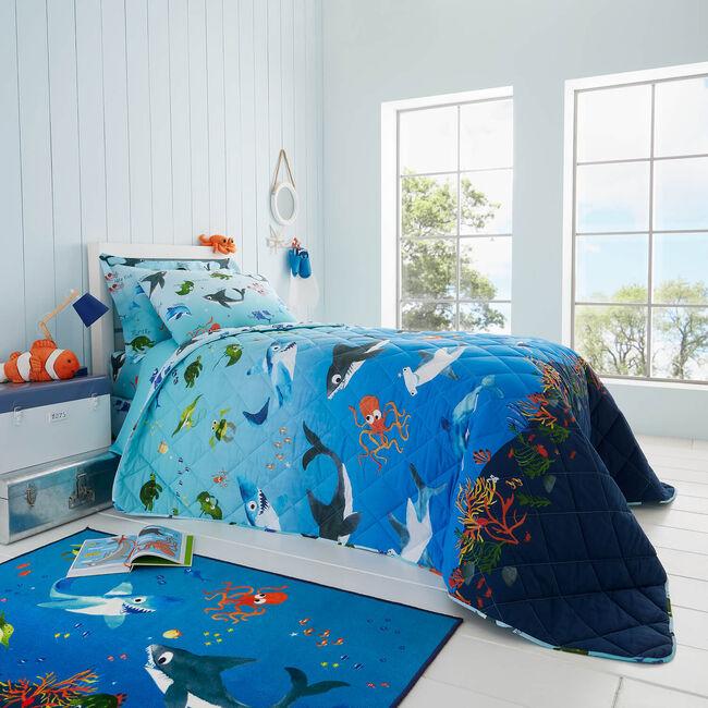Shark Splash Bedspread 200 x 220cm - Blue