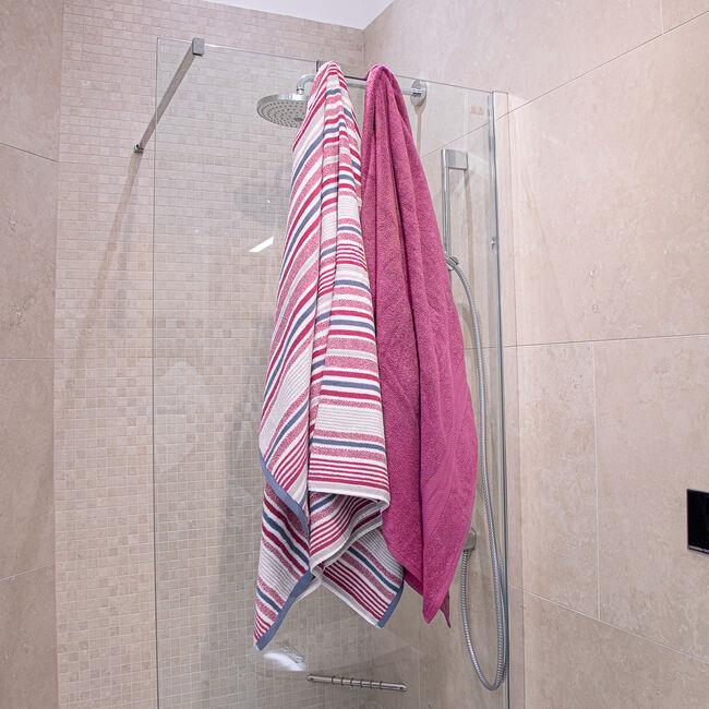 500GSM MCMARTIN STRIPE RASPBERRY Bath Sheet